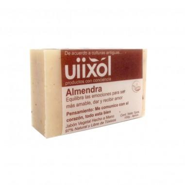 Jabón de Almendras Uiixol